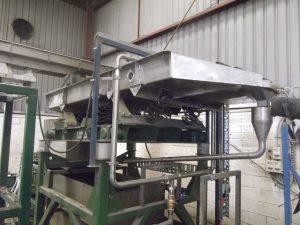 Vibrating water separator site.