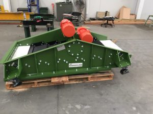 Side view of the vibrating screen packaged.