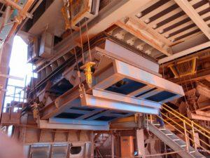 Vibrating feeder used on mine site.